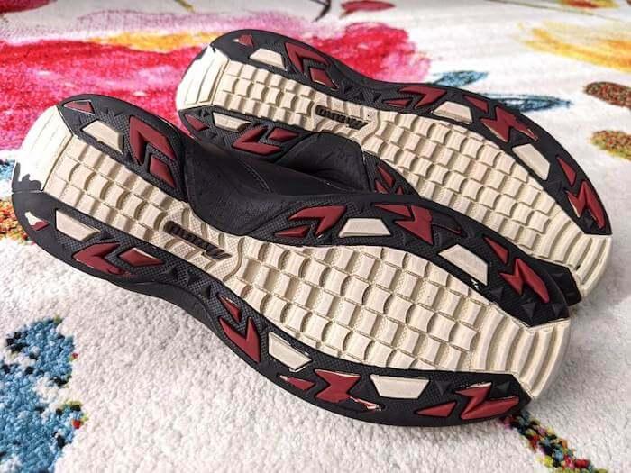 靴裏は黒ずみが大体とれてキレイになりました!