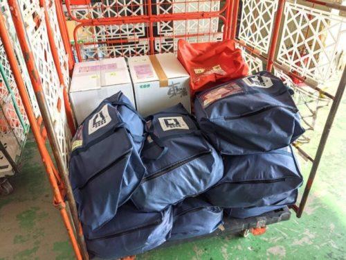 ヤマト運輸さんが滋賀県彦根市のせんたく便工場に持ち込みます