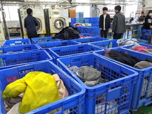 衣類は15種類以上に分類し、衣類に合った洗い方をされます。