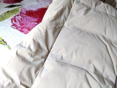 UNIQLOのコートは、どこをよ〜く見ても、あらゆる汚れが落ちていました。これが一番キレイになったと感じました!