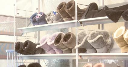 靴を傷めないよう自然乾燥に近い状況を再現して乾燥